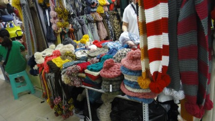 Qipu Road: Wholesale Clothes Shopping